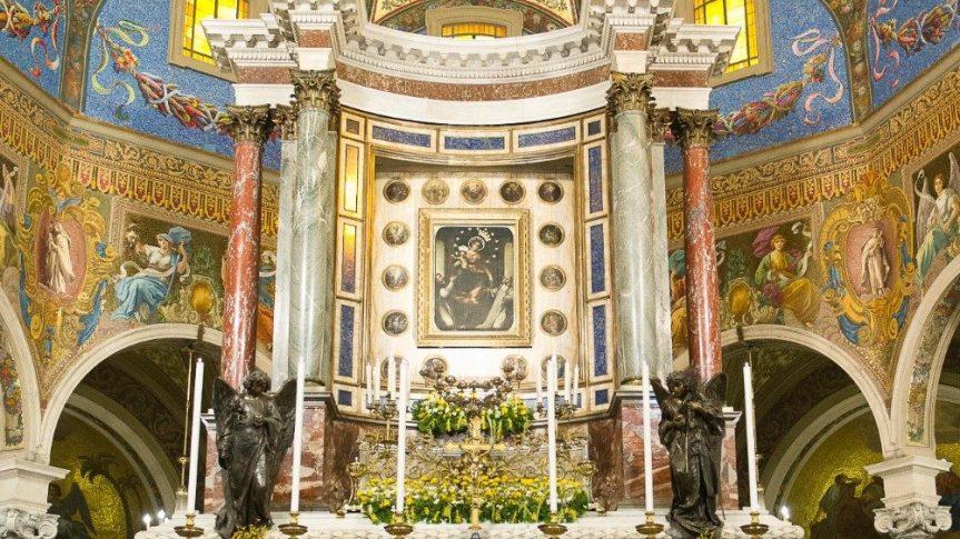 Supplica alla Regina del SS. Rosario di Pompei: scudo contro ilmale