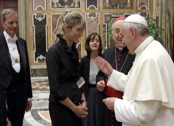 """Costanza Miriano:""""scuse ai gay? Ma il Papa ha appena fatto una dichiarazione comune con la chiesa armena IN DIFESA DELLA FAMIGLIA NATURALE ed invece i giornalisti riportano solo quello che gli facomodo"""""""