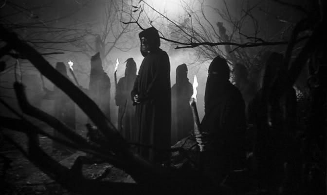 """Calabria, tra sette sataniche, riti vudù e le """"signore anticristo"""""""