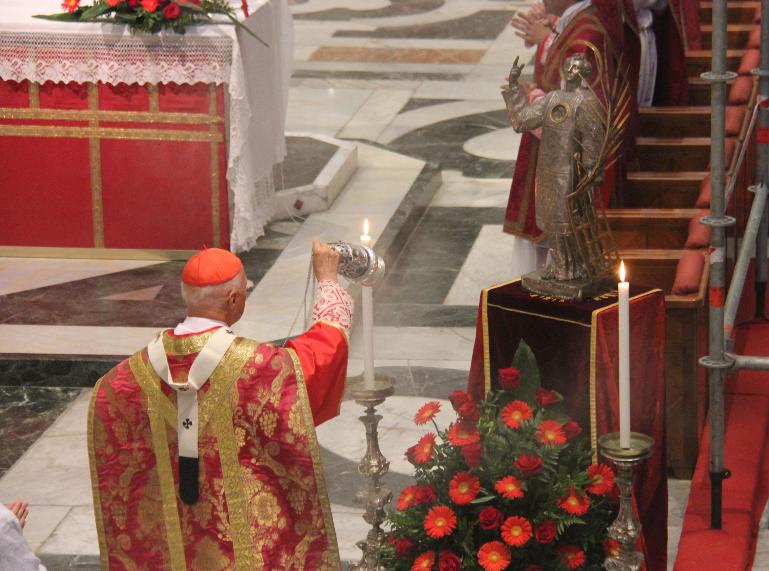 """La denuncia del Card Bagnasco: """"L'Europa vuole creare un ordine mondiale senza Dio. Decadenza dell'Europa laicista: cristiani perseguitati da leggi ingiuste""""."""