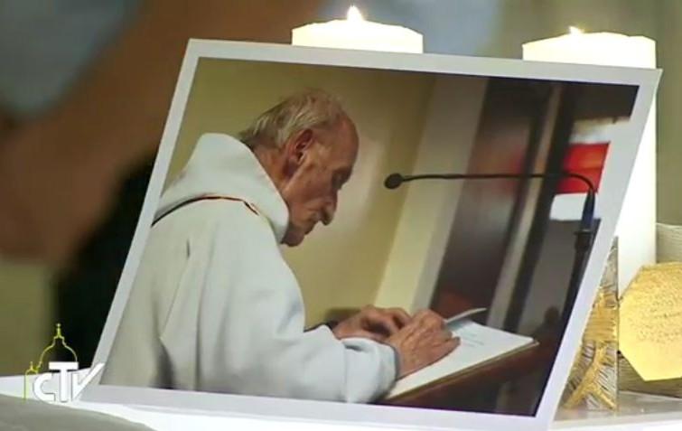 """""""Padre Jacques è beato adesso, dobbiamo pregarlo"""" –Papa Francesco aprirà processo di beatificazione per Padre J.Hamel–"""