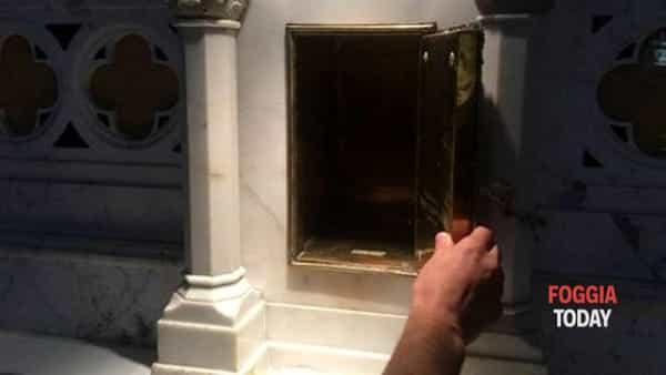 Sette sataniche a Foggia: furto S. Ostie consacrate nella chiesa S.Maria della Croce, ennesimo atto sacrilego. L'omicidio satanico di NadiaRoccia.