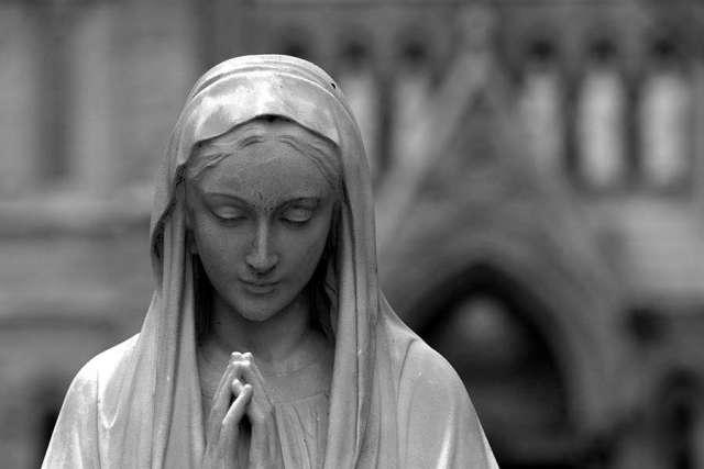 Giovani donne cristiane, attaccate dai militanti di Isis, salvate dalla Vergine Maria aKirkuk