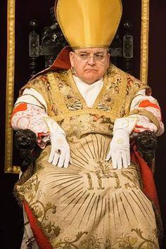 Il Card. Burke furioso minaccia il Papa sui giornali…Stai sereno Burke, nella sètta di Gallinaro c'è posto anche perte!