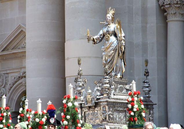 statua_di_santa_lucia_-_siracusa_1177903.jpg