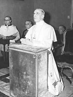Pio XII e l'esorcismo di Hitler. La fallita operazione nazista del rapimento delPapa.