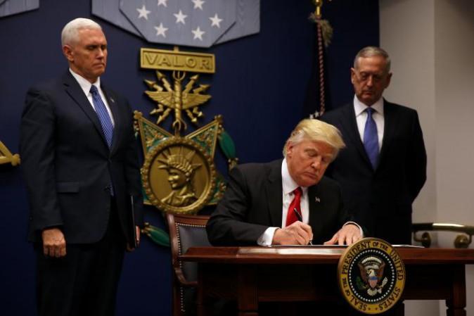 I media contro Trump non dicono il vero:  sull'immigrazione, Trump sta facendo rispettare leggi già esistenti, che Obama e l'Europa hannosnobbato…