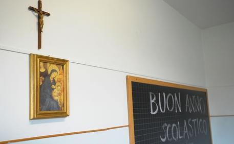 «Le benedizioni pasquali a scuola sono legittime». Sconfitta l'assurda battaglia deilaicisti