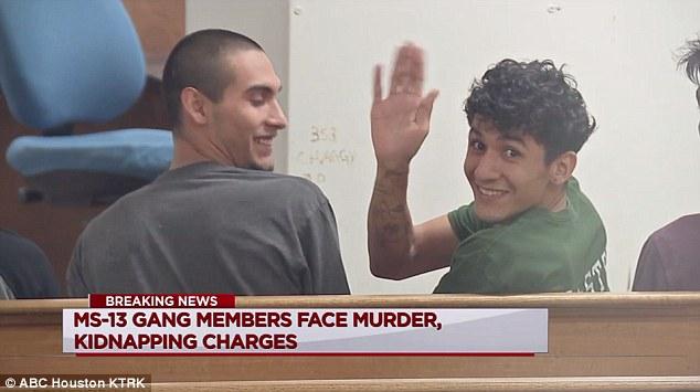 Testimone: membri della gang criminale MS-13 commettono sacrifici rituali satanici di adolescenti sequestrate inUSA