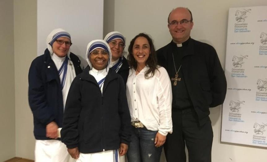Infermiera abortista, anticlericale e femminista: si converte grazie all'incontro con le suore di MadreTeresa