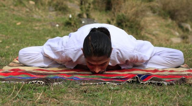 Sacerdote esorcista spiega casi di possessione, legati a pratiche orientali eyoga