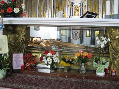 Gemma Tomb 2